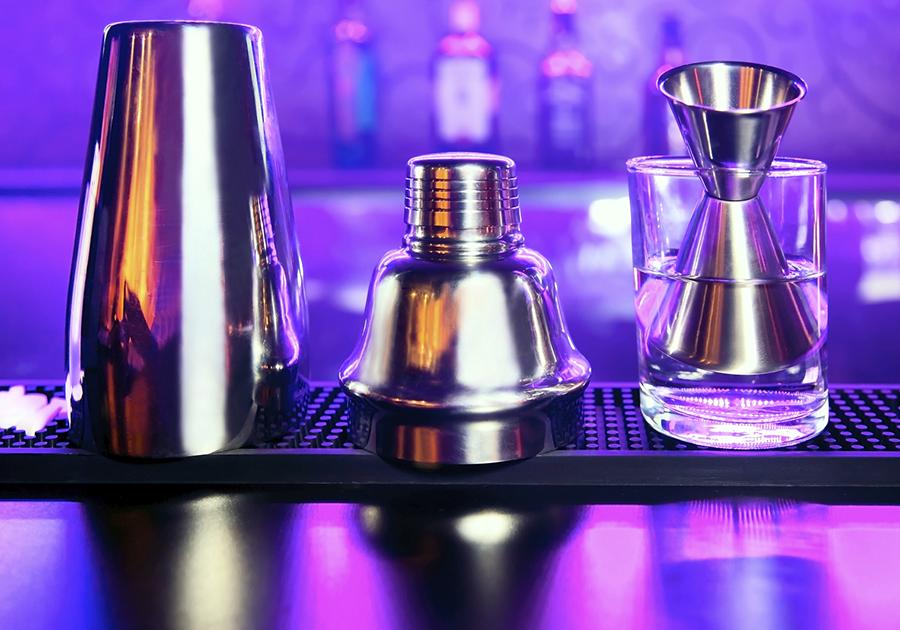 martinishakerjugbartender